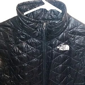 WOMENS LIGHT WEIGHT NORTH FACE JACKET